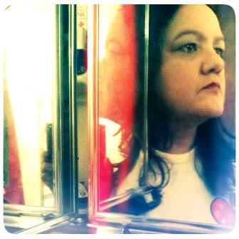 Atrás do Espelho