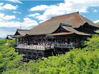Welcome to  Kiyomizudera Temple,  A World Heritage in Japan!