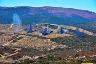 Εξαιρετικές εικόνες από την άσκηση Μέσων Αρμάτων με πραγματικά πυρά!