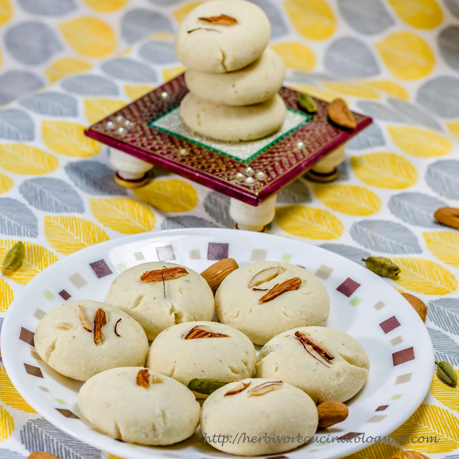 Herbivore Cucina: Almond Cardamom Cookies