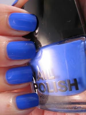 H&M-Blue-My-Mind-nail-polish
