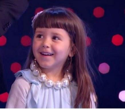 Triana canta Me gustas mucho de Rocío Durcal
