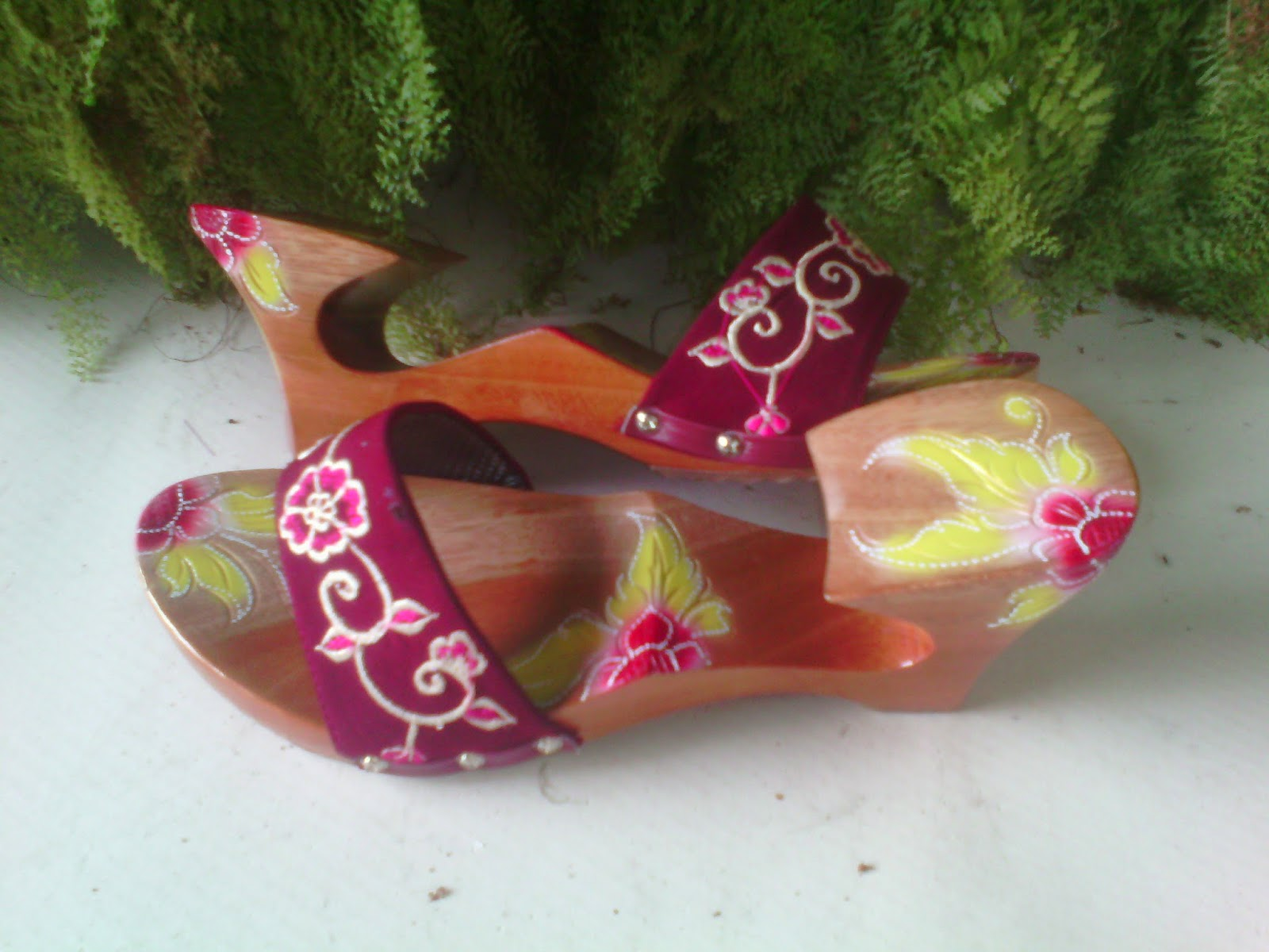 Jenis Sandal Wanita Kelom Geulis Tasikmalaya