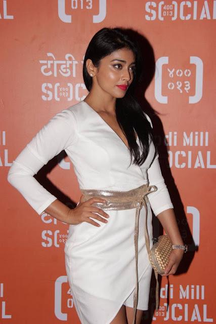 Shriya Saran Stills At Todi Mill Social Restaurant Launch