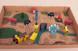 Miniatur kota mainan dari kardus
