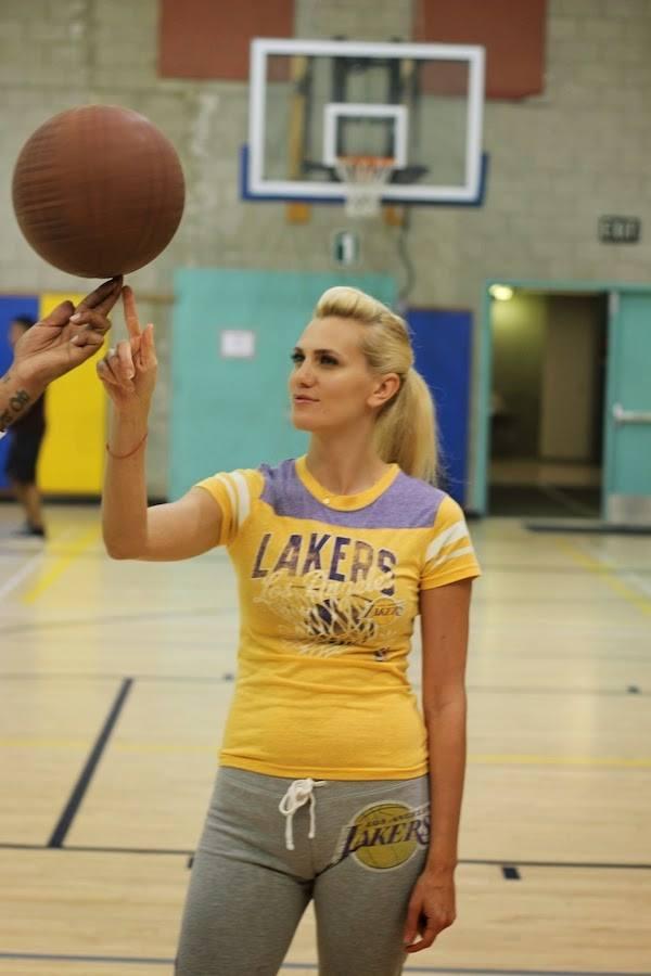Anne-Cohen-Lakers-Blogger