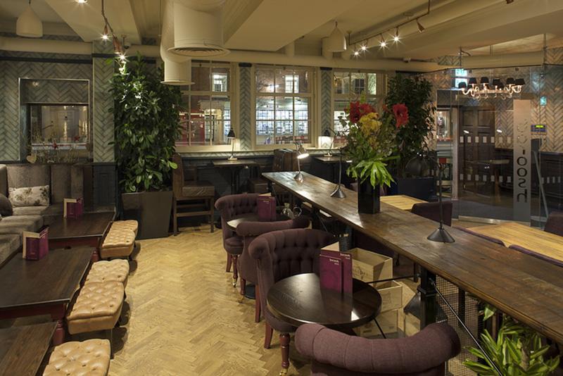mejores diseos del reino unido mejor restaurante bar integrado en un espacio burgers u cocktails by giraffe harrison