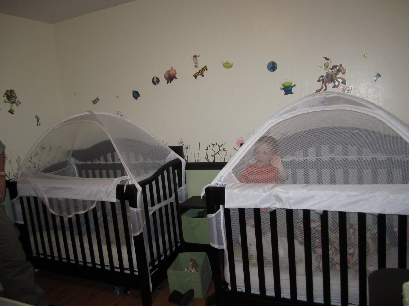 Jonas was not thrilled being in there for the demonstration but Amy said the babies have adjusted nicely. Téau0027s crib on the left is open so you can see how ... : crib tents - memphite.com