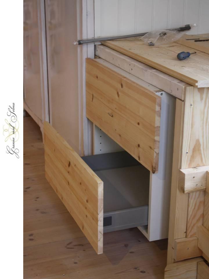 Kok Gammaldags : gammaldags kok med vedspis  Vi har anvont IKEAS stommar och byggt