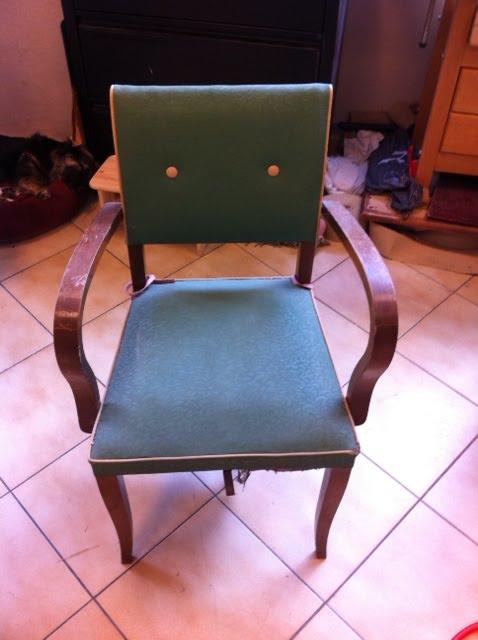 Tapisserie ameublement et restauration mobilier quoi de - Cours de restauration de fauteuil ...