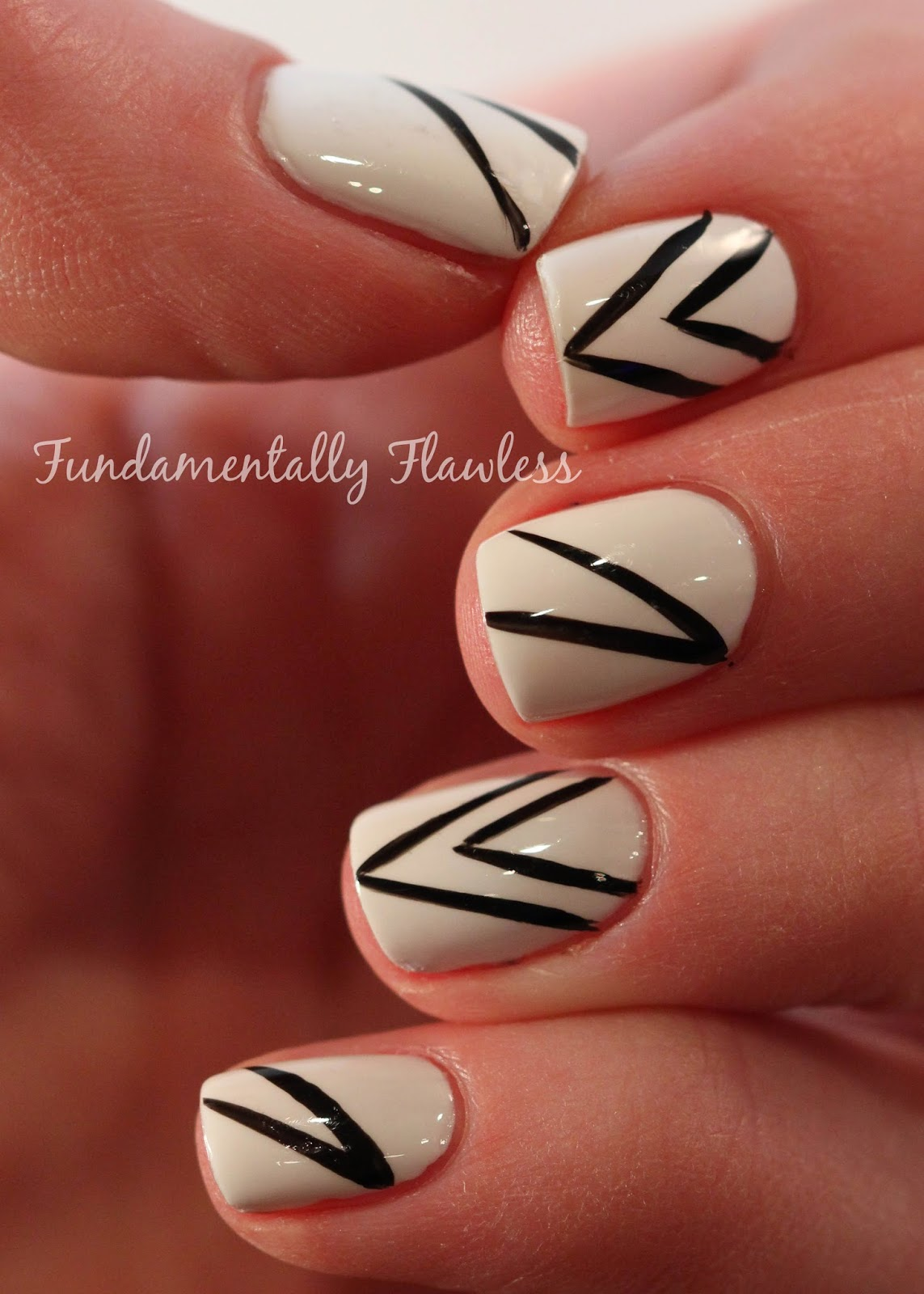 White and black nail art by Neringa BootsFeelLikeNew