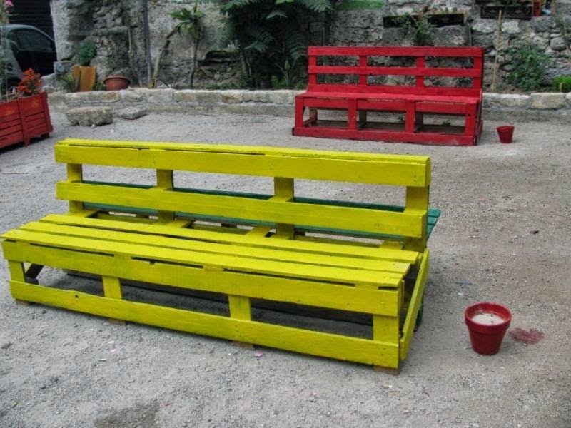 Pallet Hackers: Panchina da esterno fatta con bancali
