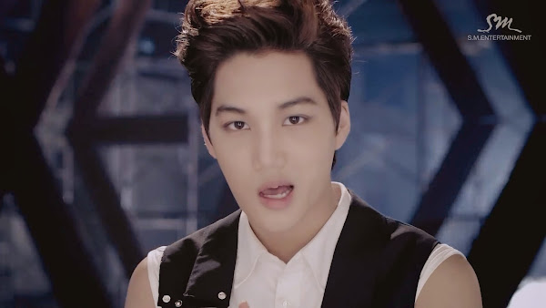 EXO Growl Kai