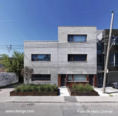 Casa residencial contemporánea de aspecto brutalista en Canadá