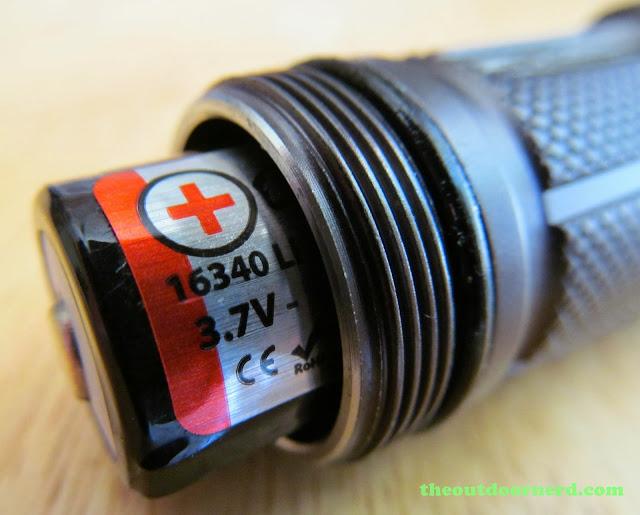 Nitecore SRT3 Defender EDC Flashlight: Another Closeup Of Threads