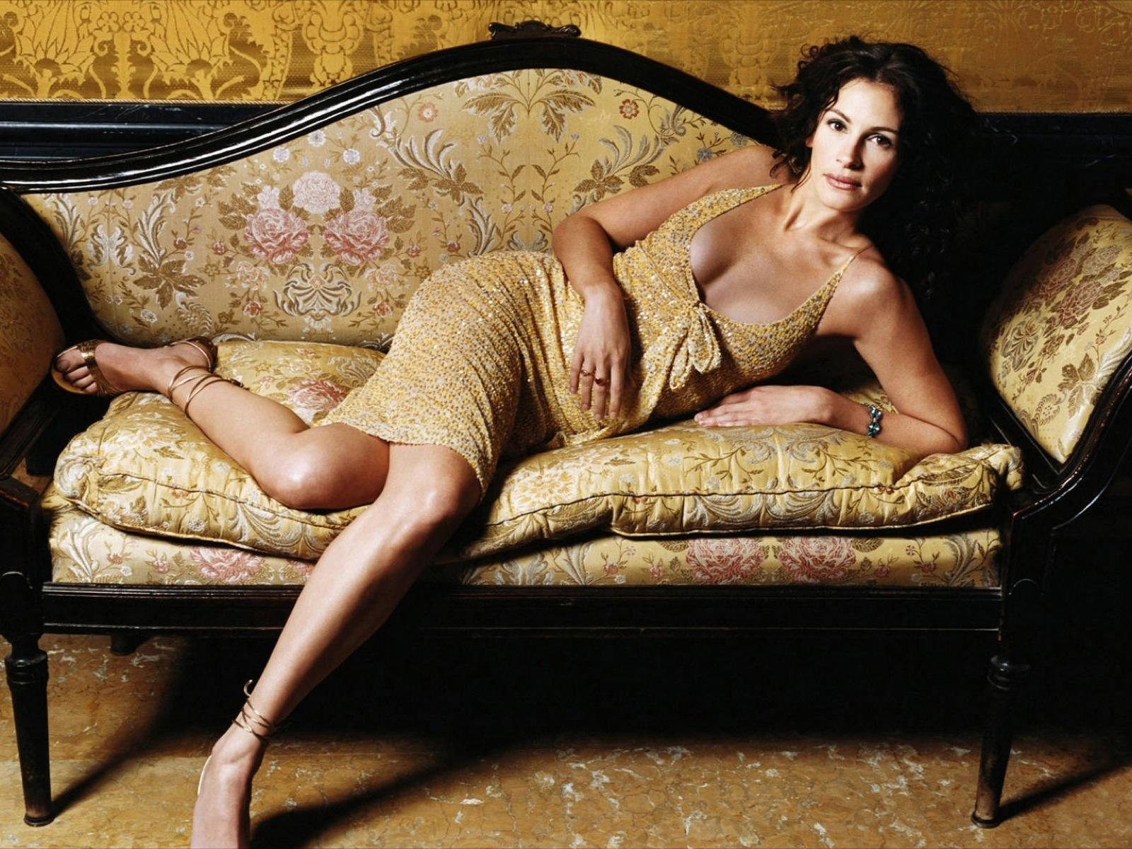 Hot Bio Celebrity Pictures: Julia Roberts Hot Wallpapers