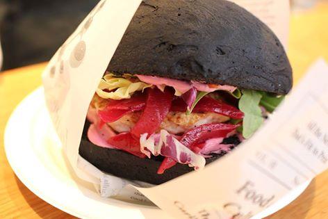 Foto del blog Foodpics Italy: foto del panino nero alla liquirizia