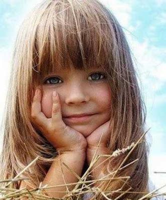 Model rambut panjang berponi untuk anak perempuan 5414447
