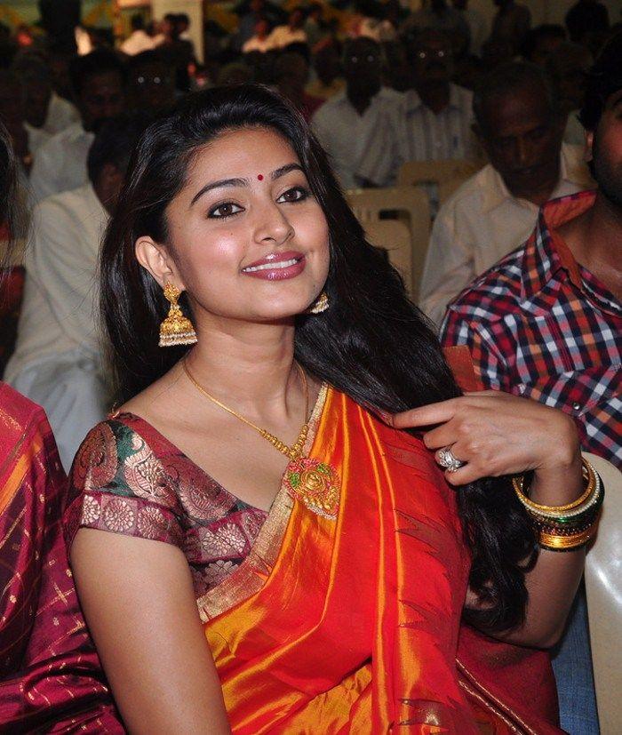 http://4.bp.blogspot.com/-VFzys2iuUAA/ThA4Se2B8kI/AAAAAAAAbw4/761BOas5s8w/s1600/tamil+actress+sneha+saree+stills+9.jpg