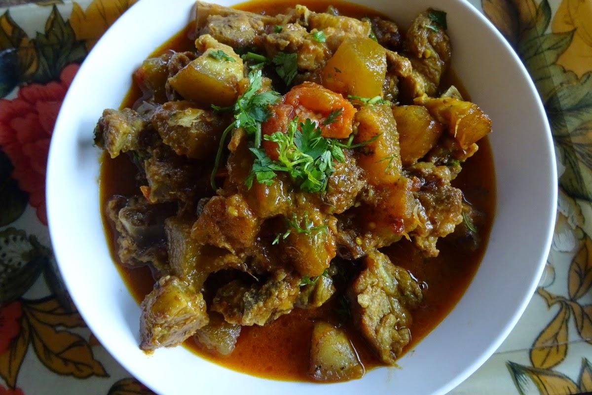 Pork curry with ash gourd