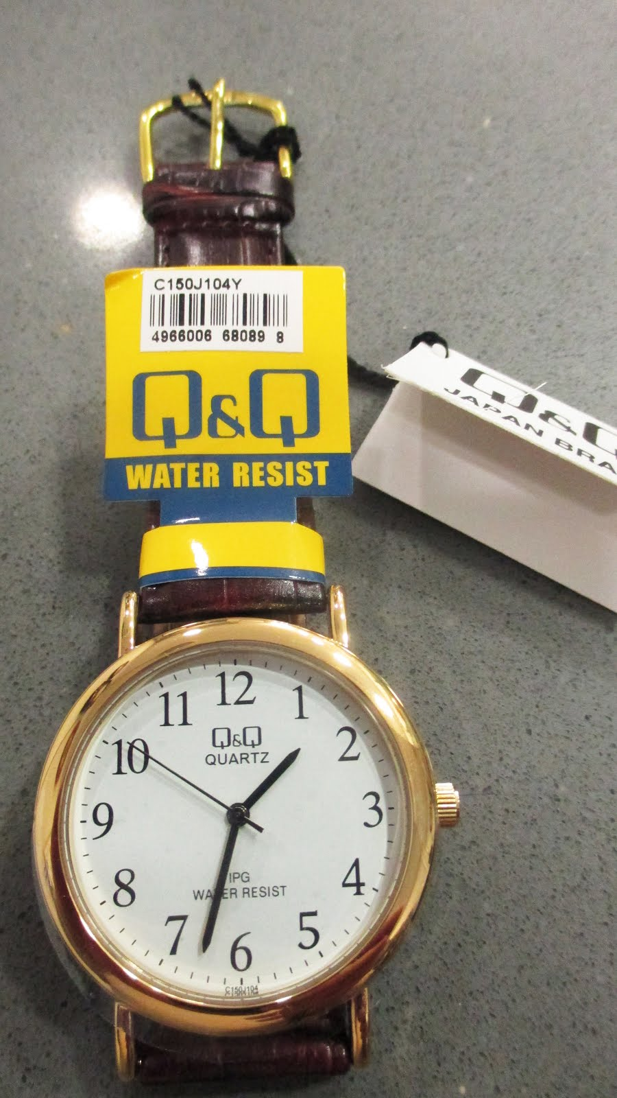 Reloj Q&Q, caballero correa cuero, de esfera muy clara y clásica