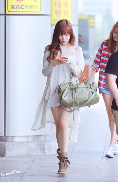 SNSD Tiffany airport fashion style