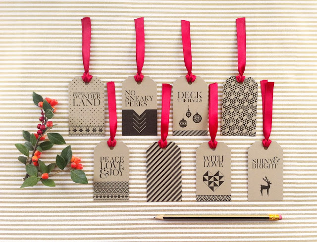 gift tags ribbon