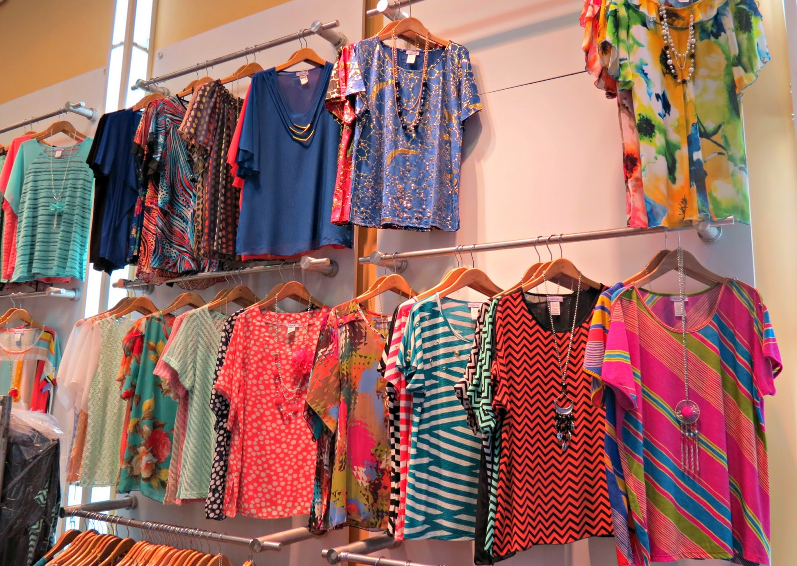 Plus size clothing wholesale downtown los angeles for Fashion jewelry district los angeles