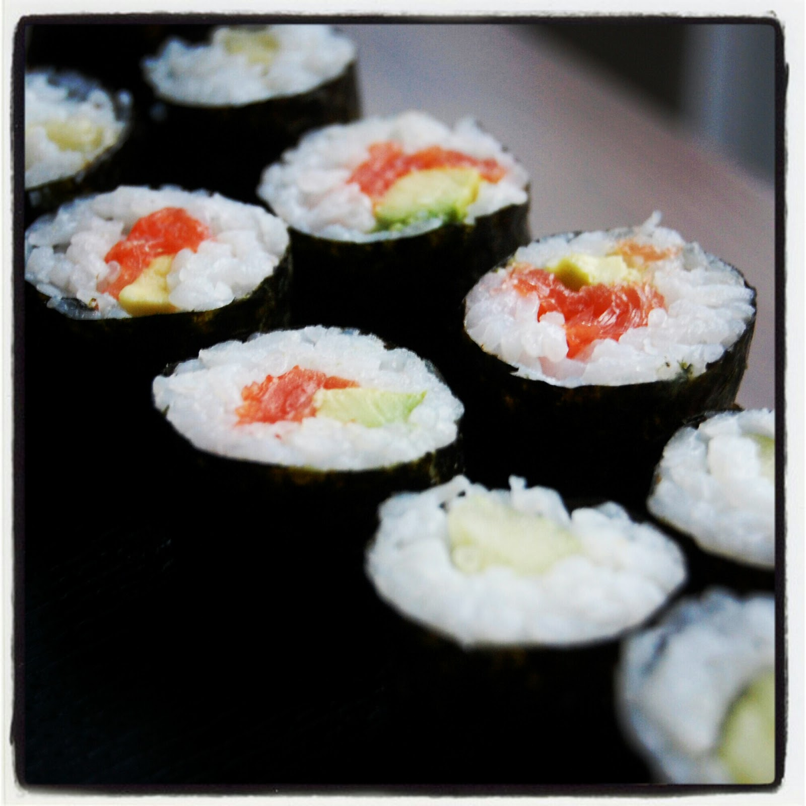 Fionas japanese cooking easy to make rolled sushi maki roll fionas japanese cooking easy to make rolled sushi maki roll makizushi forumfinder Image collections