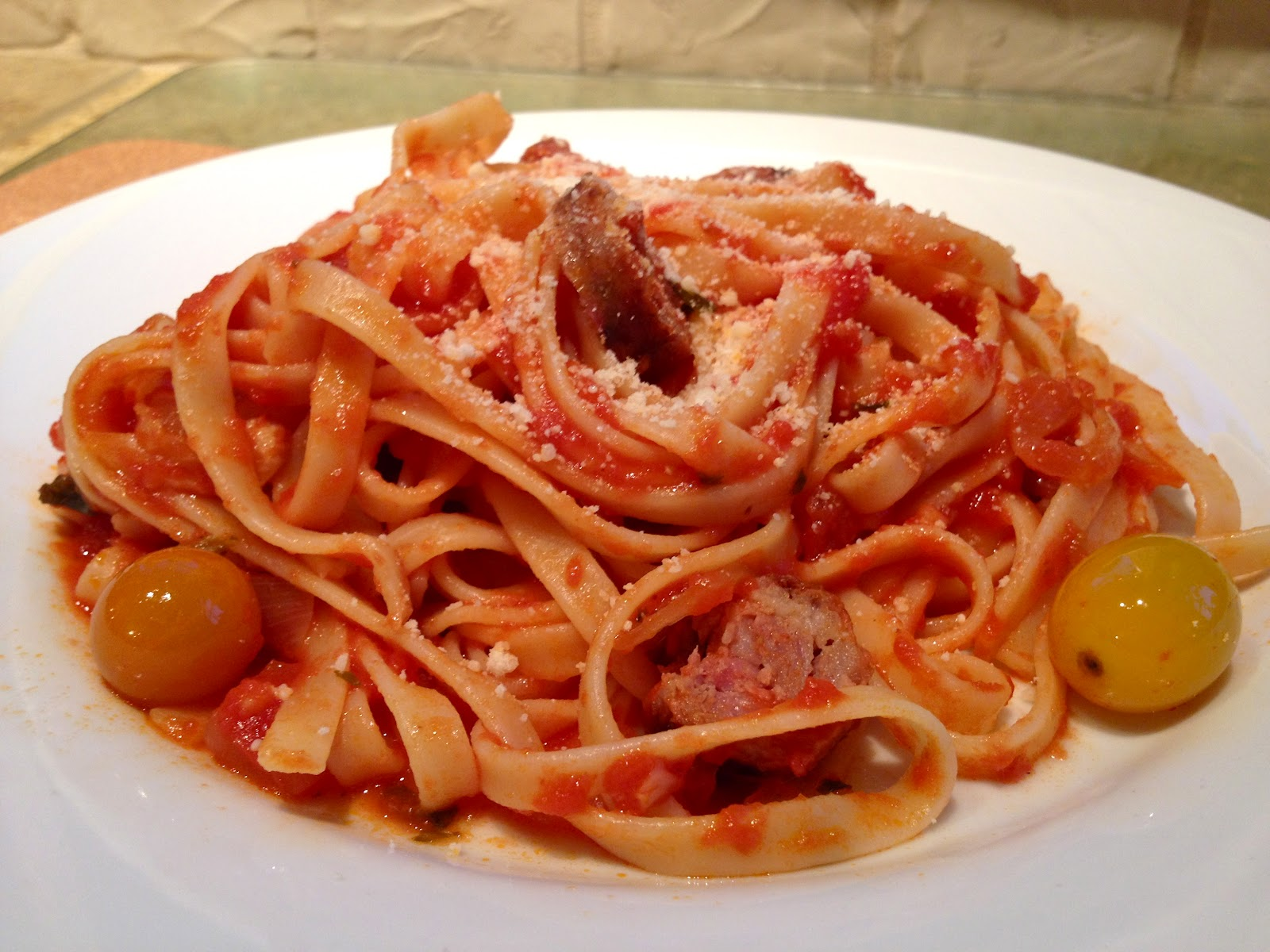 ... Girl: Spaghetti with Marinara, Cherry Tomatoes, and Spicy Sausage