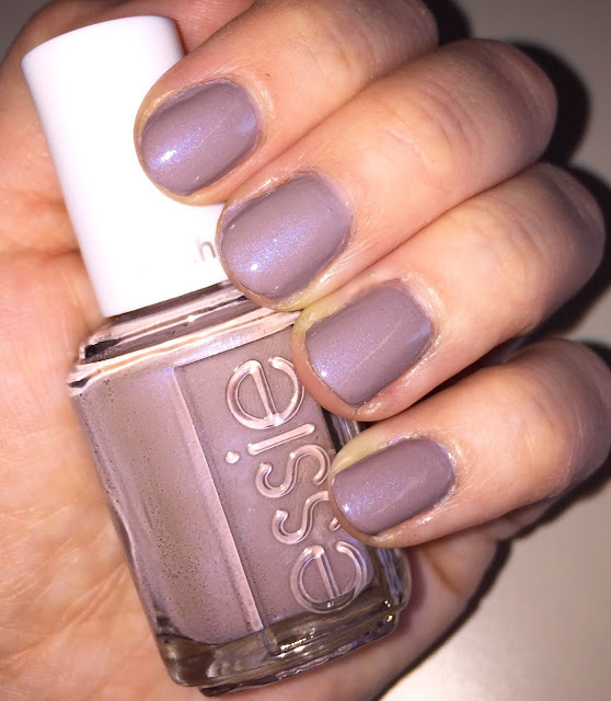 Essie, Essie Cashmere Matte Winter 2015 Collection, Essie Comfy in Cashmere, nails, nail polish, nail lacquer, nail varnish, manicure, swatches