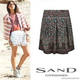 Style of Princess Mary: SAND Blouse and Skirt and RALPH LAUREN Bag
