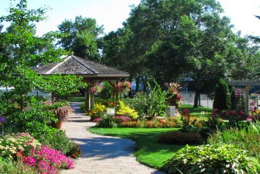 Elegant address south of france juan les pins for Le jardin botanique camping