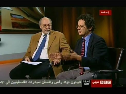 دور الجيش التونسي في الثورة والجيش المصري؟