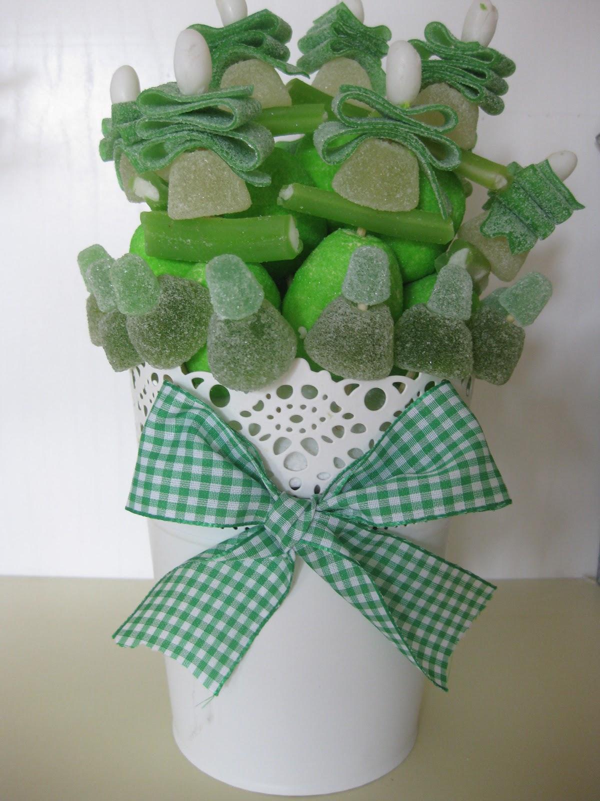 El rinc n de salas chuches en blanco y verde - Adornos con chuches ...