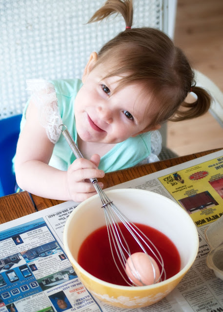 Using Jell-O to dye Easter Eggs