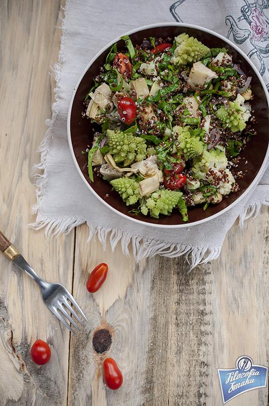 Sałatka z komosy z warzywami