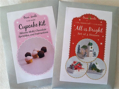 Dollhouse cupcake and glitter house kits
