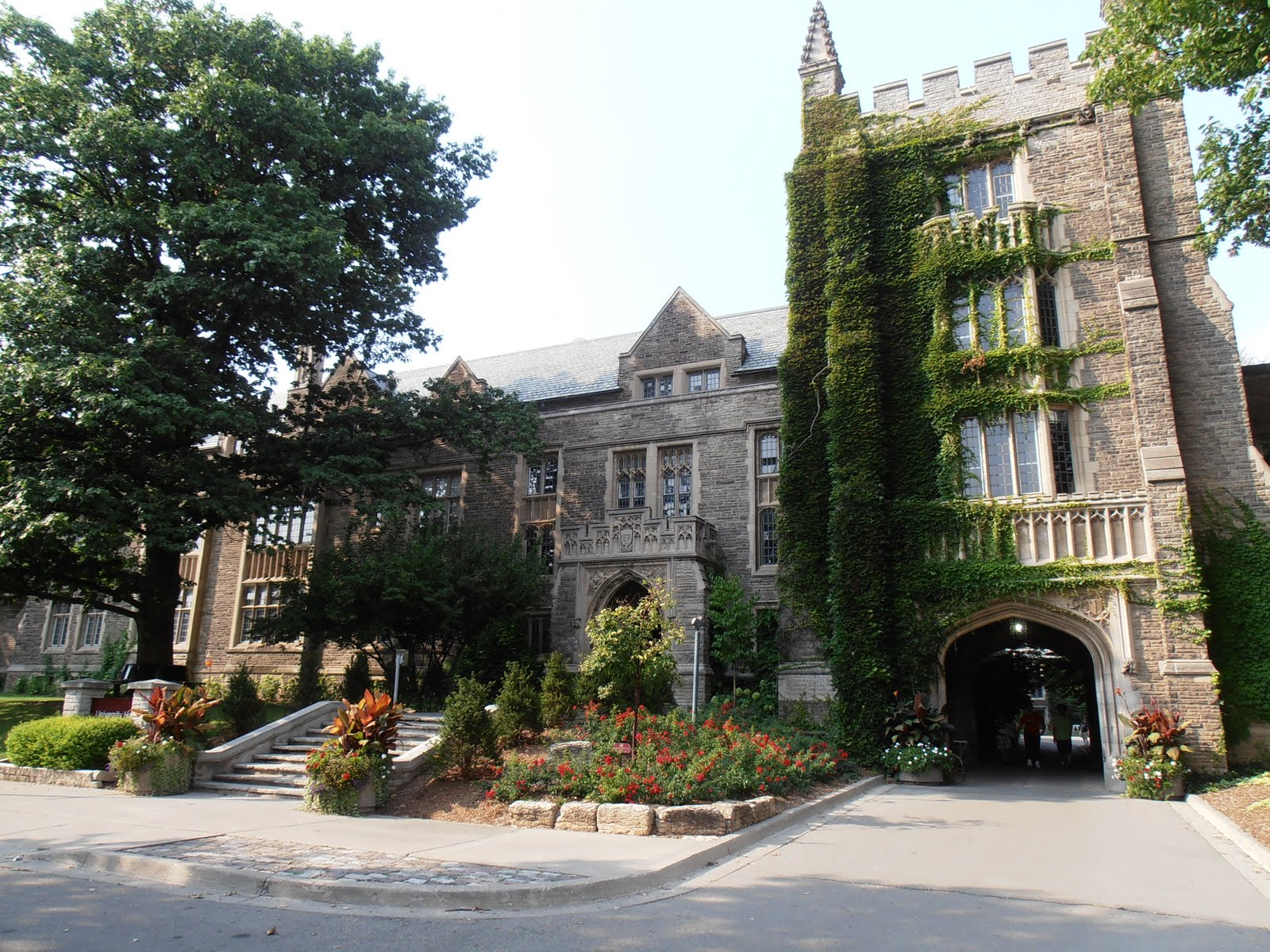 Study Abroad in Canada: The campus of McMaster University!