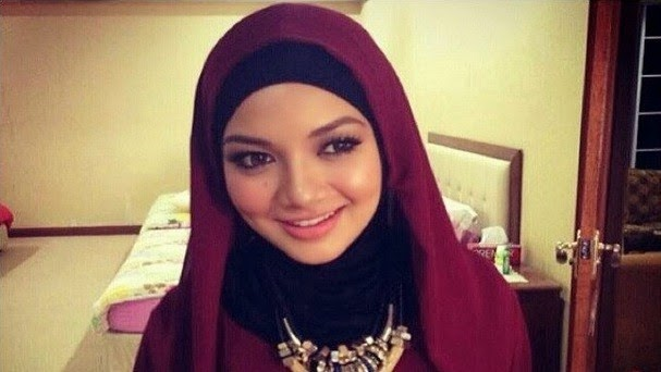 Neelofa Bertudung Bermula Ramadhan