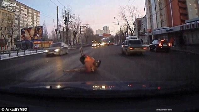 Grabaciones buenas acciones Rusia con la cámara del coche
