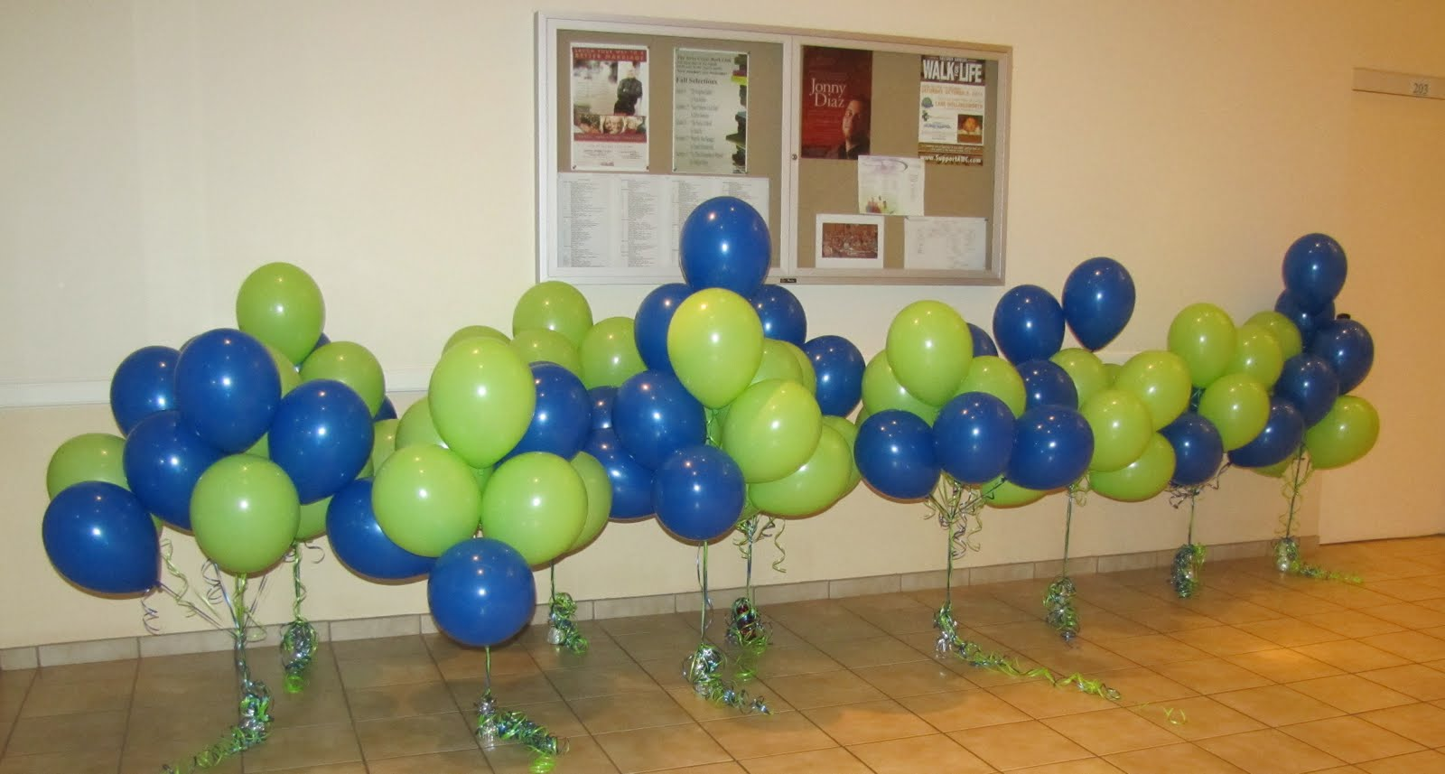 Party people event decorating company october 2011 for Balloon arch no helium