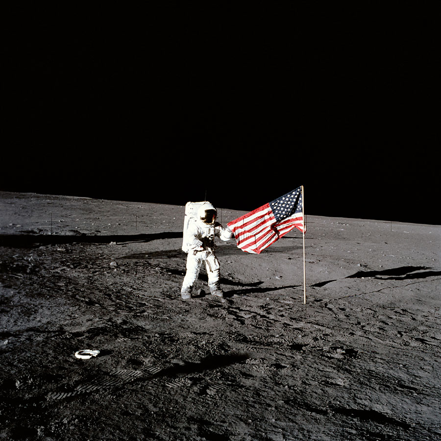 Free Moon Landing Backgrounds Download | PowerPoint Tips