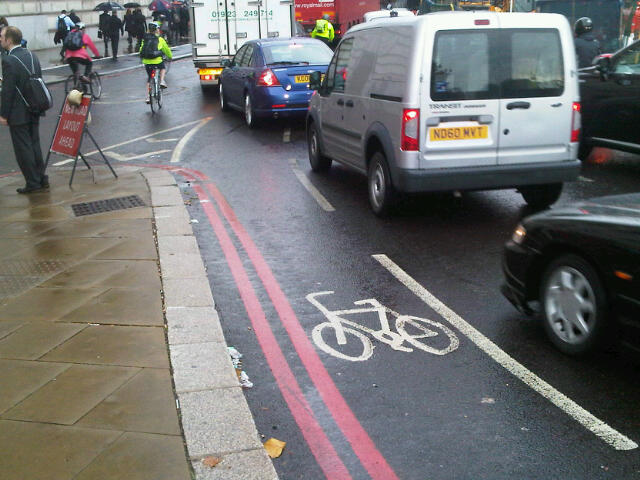 Cycle lane under traffic flow