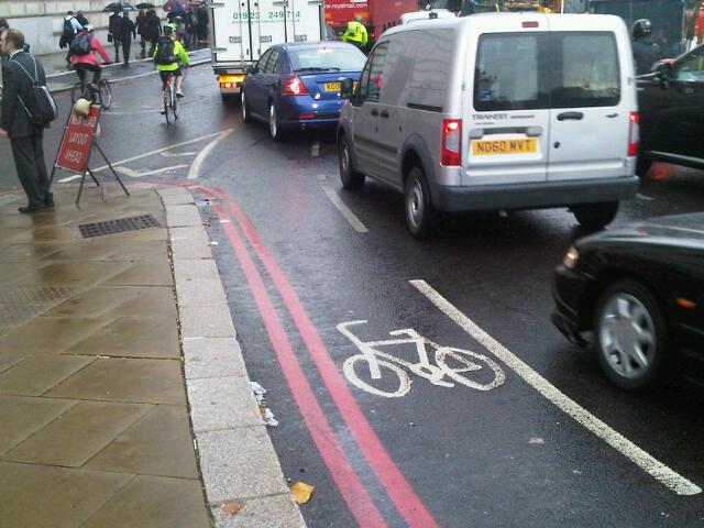 Cycle lane under traffic flow