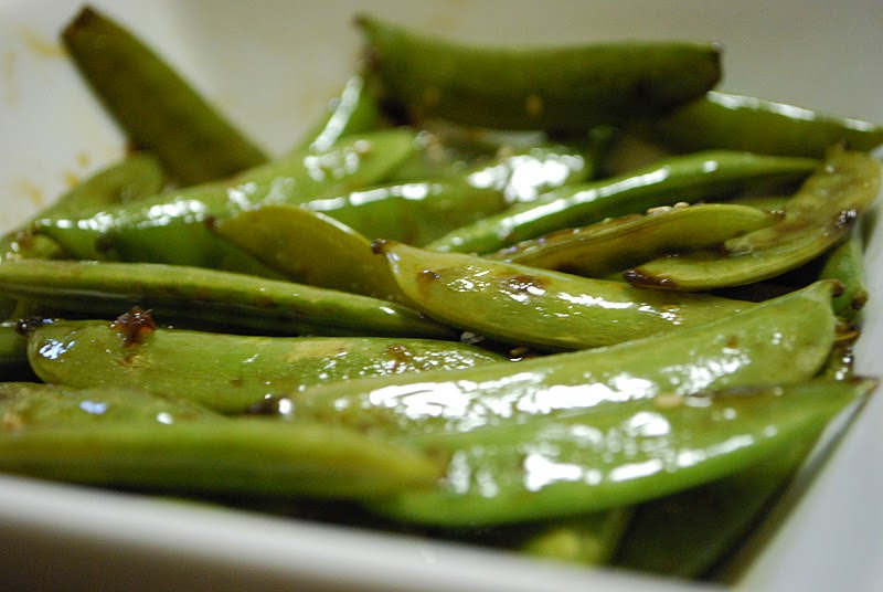 Simply Mangerchine: Sweet and Spicy Sugar Snap Peas