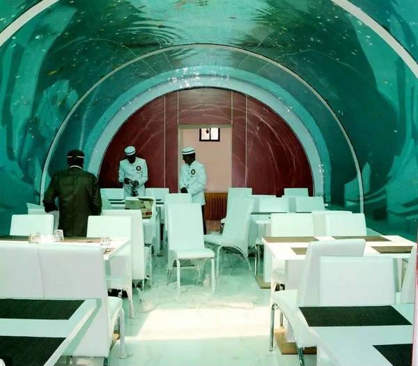 Underwater Restaurant india Ahmadabad first veg hotel, Thanneerukku adiyil piramaanda unavagam, saiva unavagam,