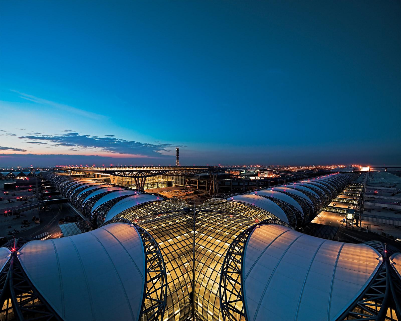 http://4.bp.blogspot.com/-VK88C628vZw/Tgwl4xBqHQI/AAAAAAAABpo/jFeIH_GwaRw/s1600/suvarnabhumi_airport_bankok-sg500_001_mr.jpg