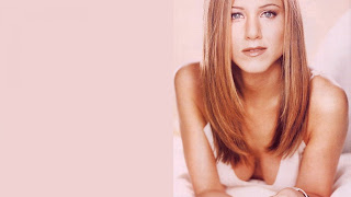 Jennifer Aniston hot pink img