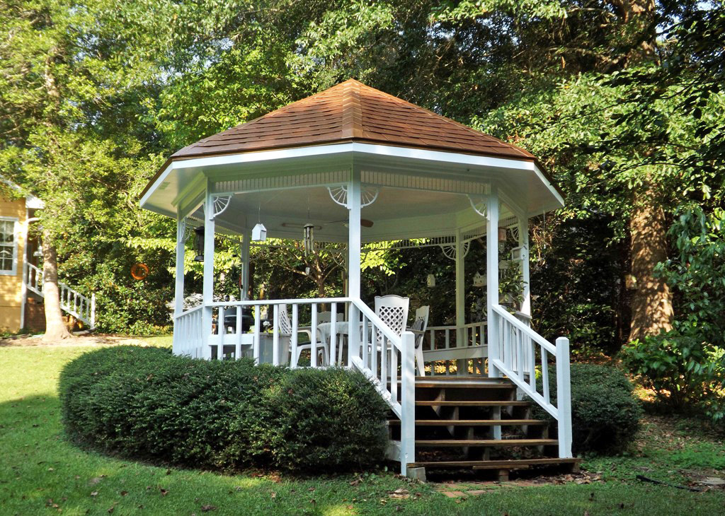 Mariette 39 s back to basics our gazebo with chair cushions for Gazebo roof pitch